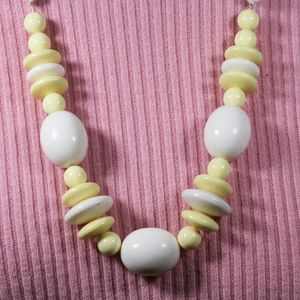 Jewelry - Vintage White and yellow necklace
